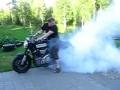 Yamaha MT-01 - stworzony do palenia gumy