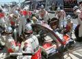 Błąd mechaników podczas postoju Lewisa Hamiltona