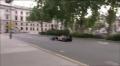Mark Webber trenuje pit stopy na ulicach Londynu (6 min.)