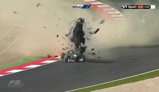 Dramatyczny wypadek w Europejskiej F3 na Red Bull Ringu