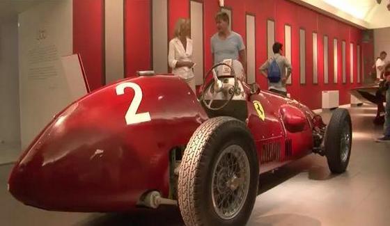 Gordon Ramsay w fabryce Ferrari