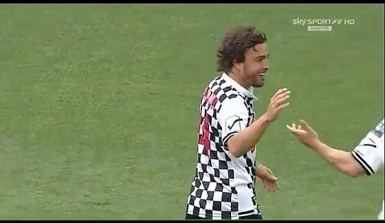 Alonso strzela pi�knego gola