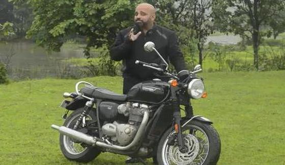 Triumph Bonneville T120 - motocykl w te�cie