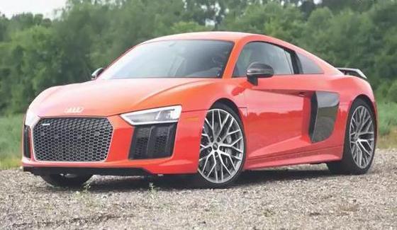 Audi R8 w te�cie drogowym